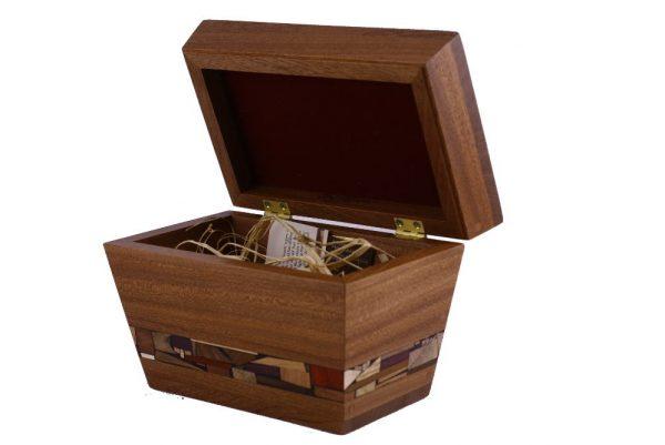 Large Etrog-Box - Wooden Jewelry Chest - Open Esrog-Box- ETR-A-O-Sap-RW-etr-angled-MG_2313.jpg