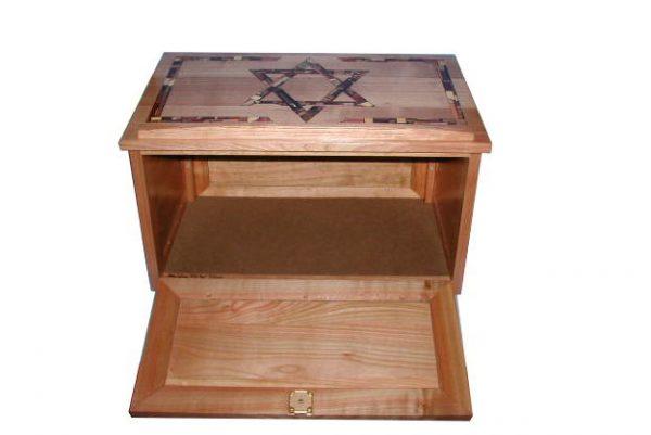 Shtender-Jewish-Table-Lectern-Synagogue-Study-Hall-Judaica-SHTN-O-O-Cherry-WC-shdender-open.jpg